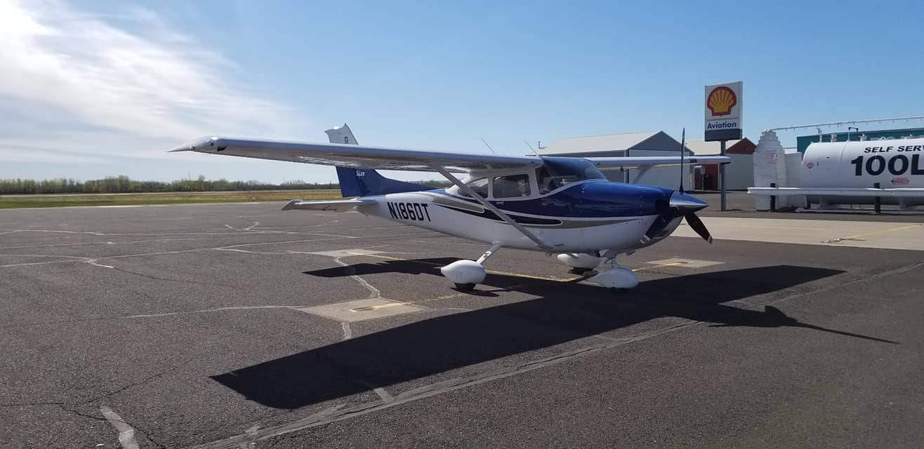 Cessna 182T at Superior Flying Services